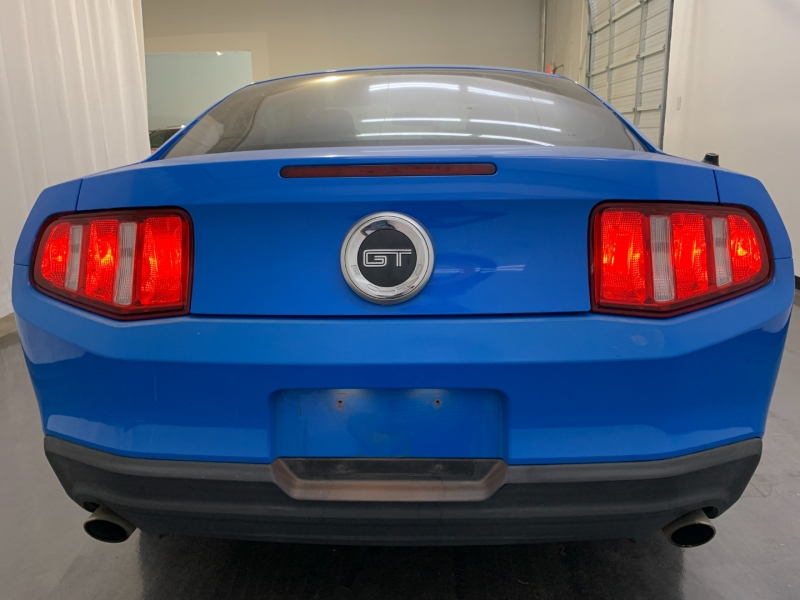 FORD MUSTANG 2010 price $10,900