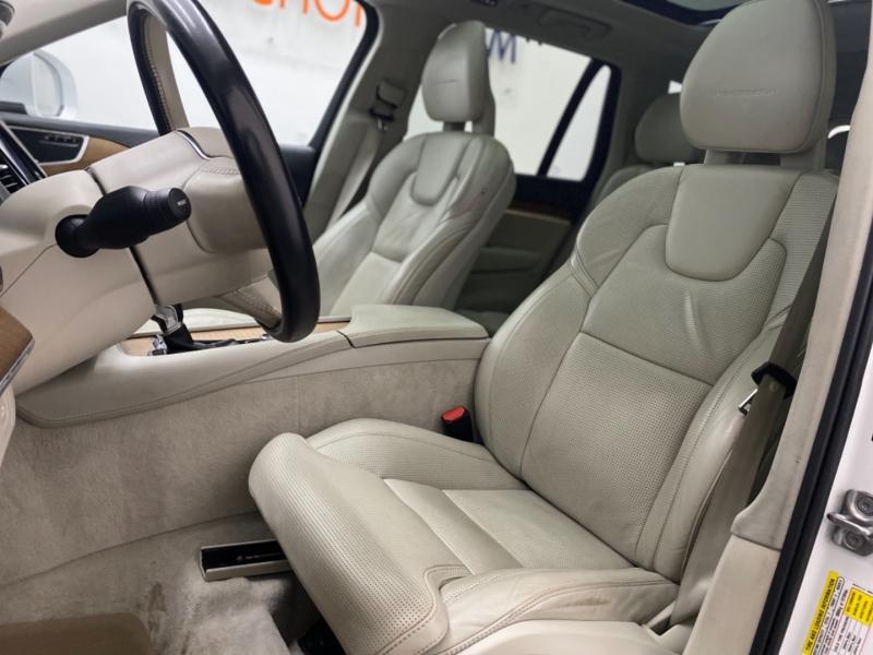 VOLVO XC90 2016 price $26,900