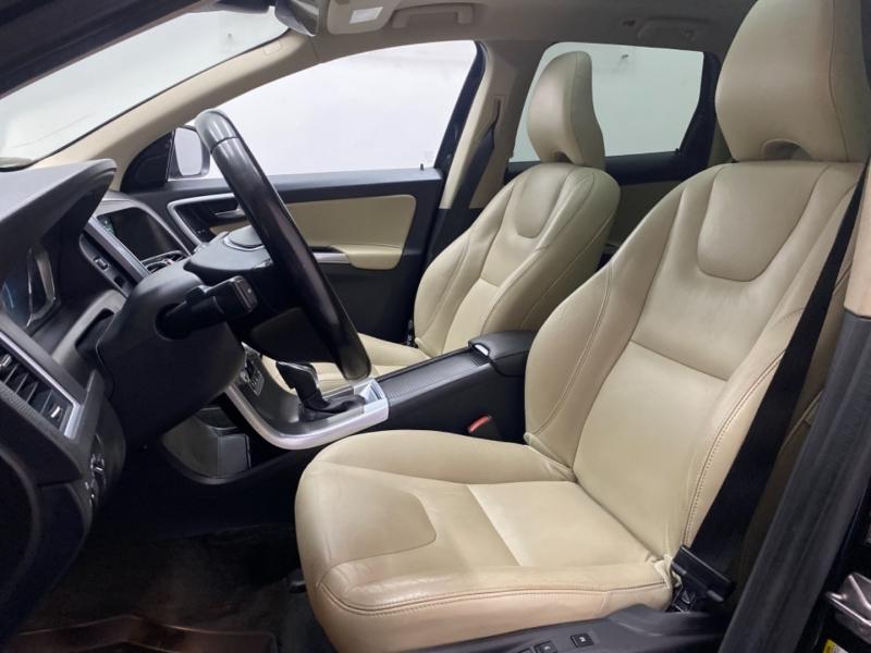 VOLVO XC60 2016 price $18,900