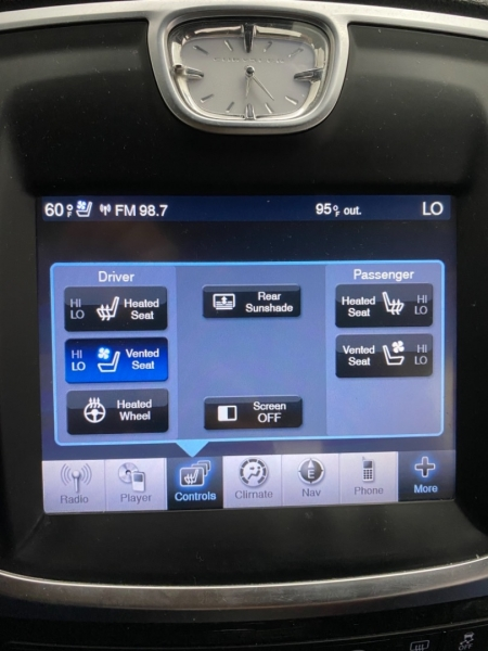 CHRYSLER 300C 2011 price $12,900