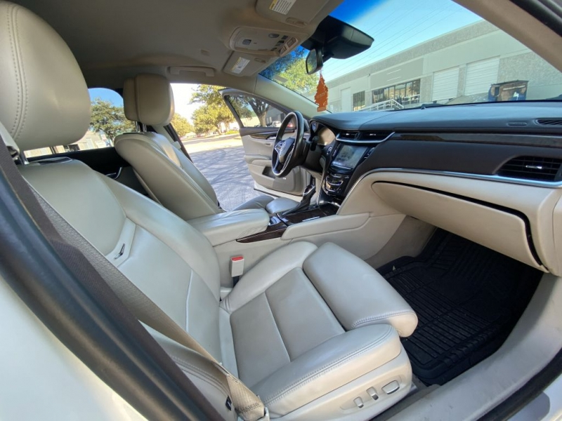 CADILLAC XTS 2013 price $14,900