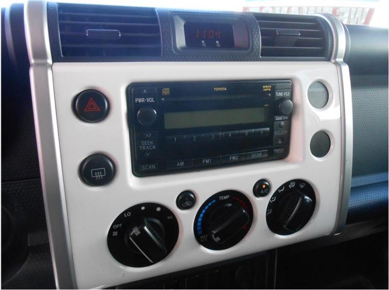 Toyota FJ Cruiser 2010 price $16,995