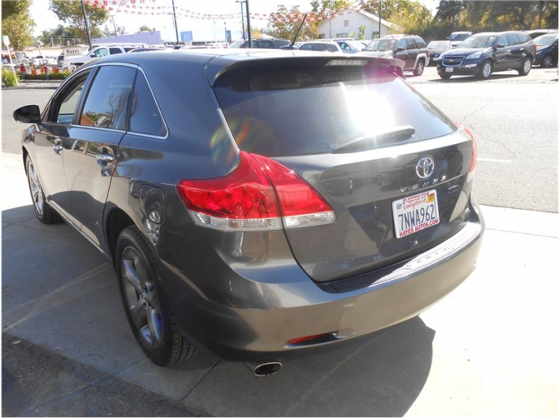 Toyota Venza 2011 price $11,995