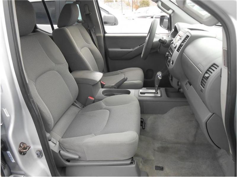 Nissan Frontier Crew Cab 2013 price $20,995