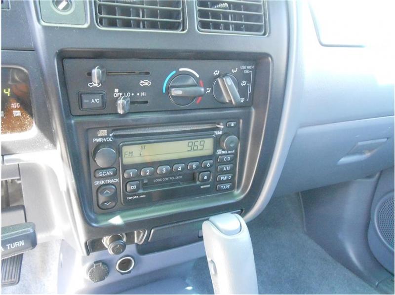 Toyota Tacoma Xtracab 2000 price $9,995