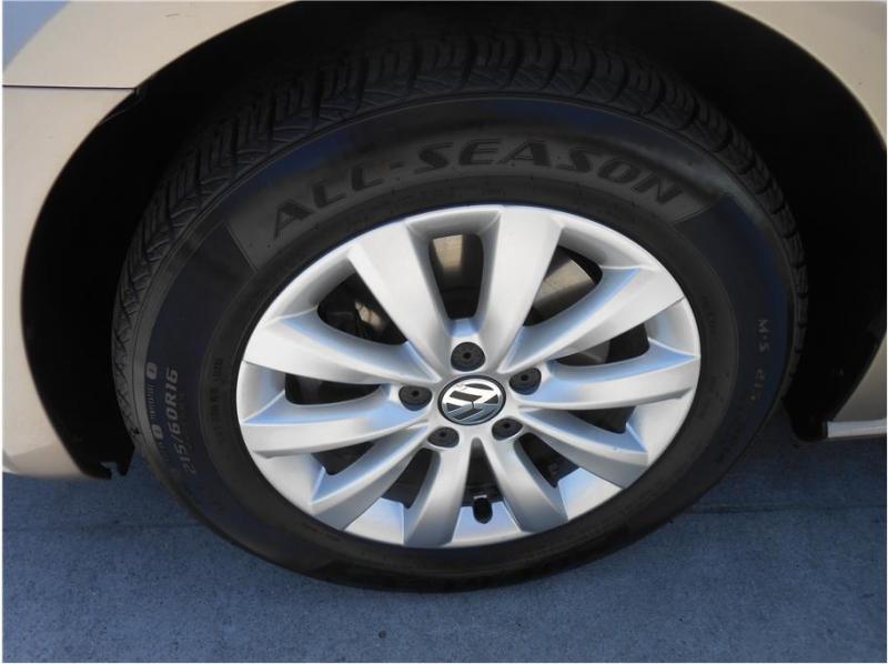 Volkswagen Passat 2015 price $7,995