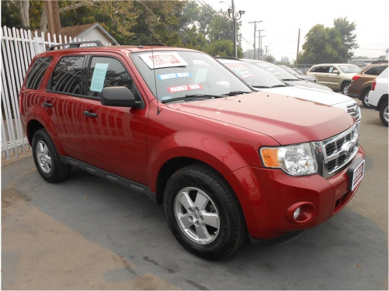 Ford Escape 2012 price $7,745