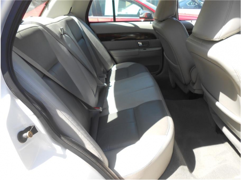 Mercury Grand Marquis 2005 price $5,995
