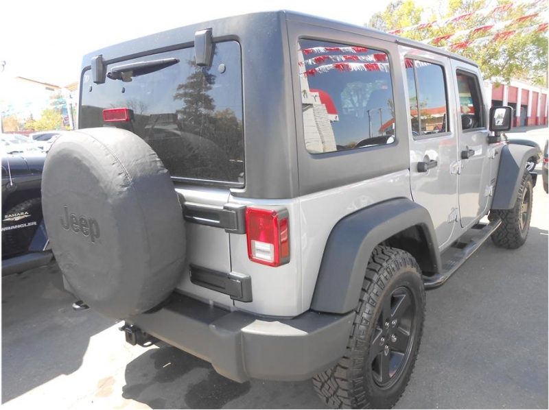 Jeep Wrangler 2015 price $28,995