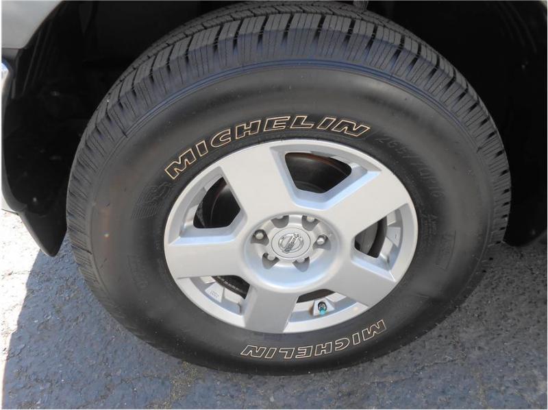 Nissan Frontier Crew Cab 2008 price $17,995