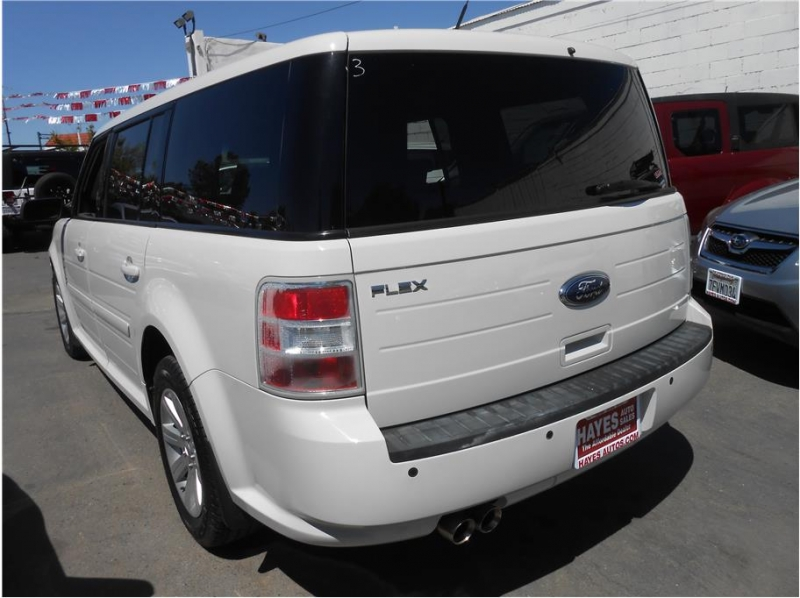 Ford Flex 2011 price $11,995