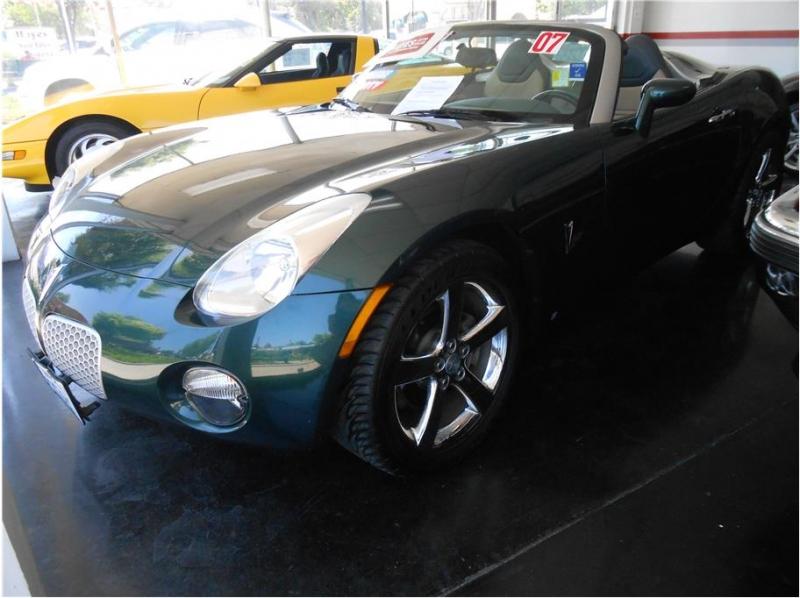 Pontiac Solstice 2007 price $12,995