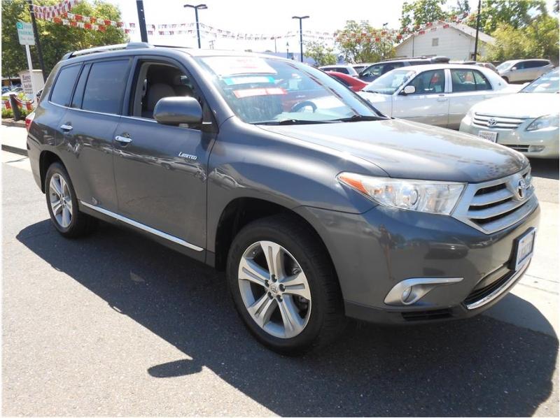Toyota Highlander 2012 price $17,995