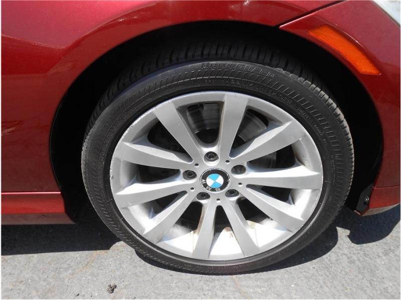 BMW 3 Series 2011 price $10,995