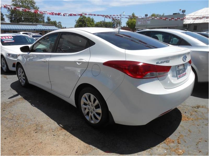 Hyundai Elantra 2013 price $11,995