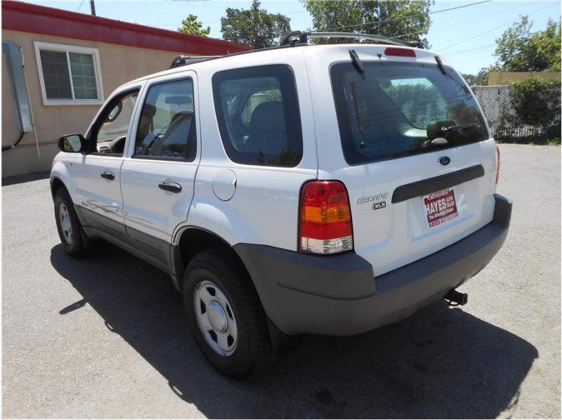 Ford Escape 2001 price $6,995