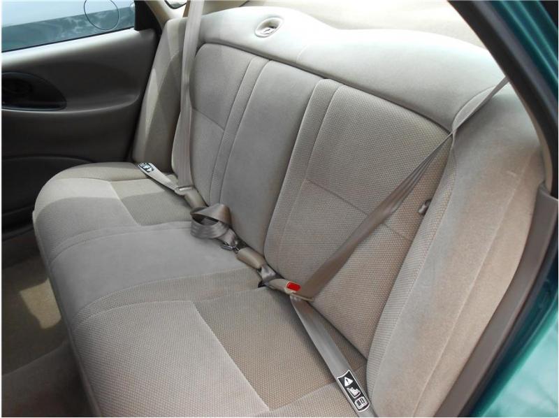 Ford Taurus 1999 price $3,995