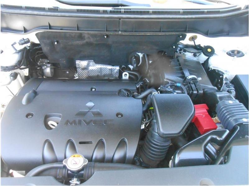 Mitsubishi Outlander Sport 2015 price $13,995