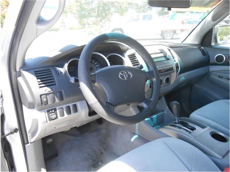 Toyota Tacoma Access Cab 2005 price $14,995