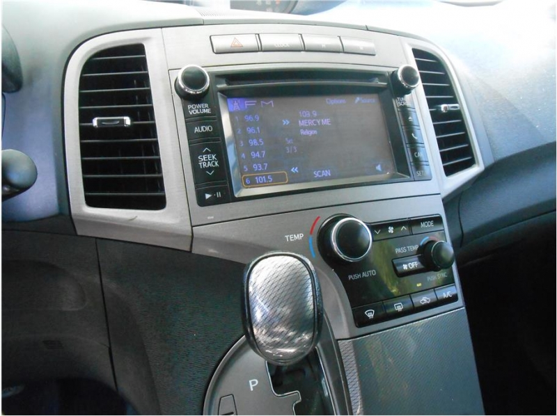 Toyota Venza 2013 price $14,995