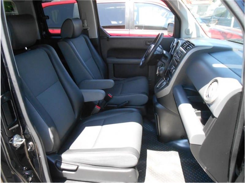 Honda Element 2006 price $11,995