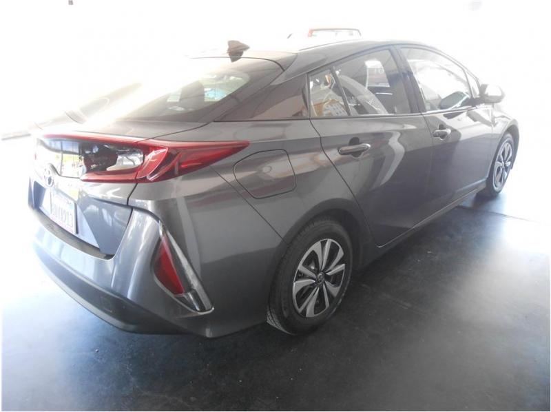 Toyota Prius Prime 2018 price $19,995