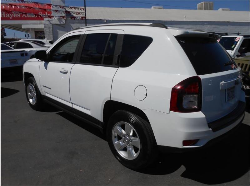 Jeep Compass 2015 price $15,995