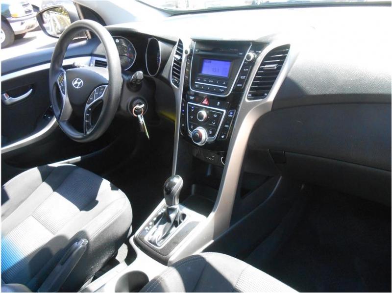Hyundai Elantra GT 2015 price $9,995
