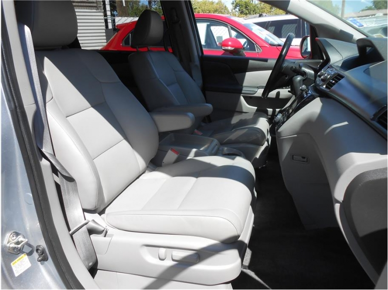 Honda Odyssey 2016 price $24,995