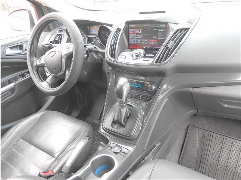 Ford Escape 2015 price $14,995