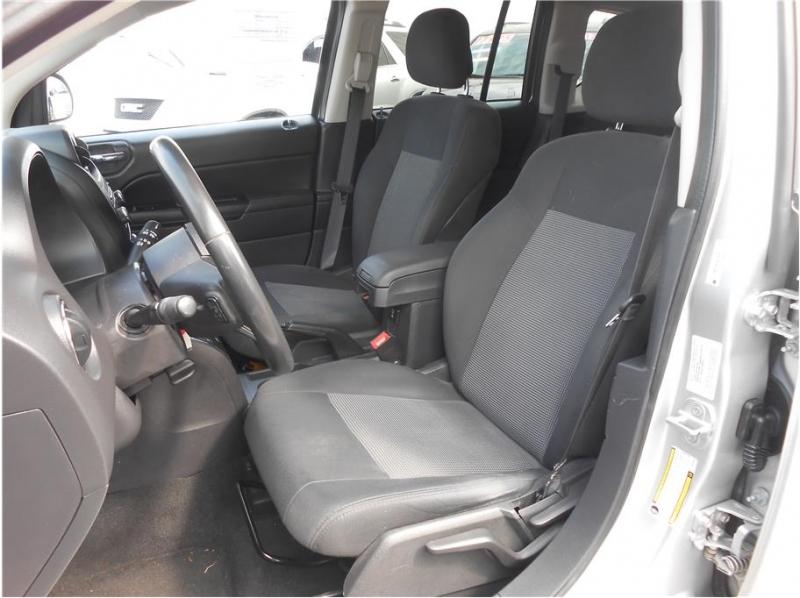 Jeep Compass 2011 price $10,995