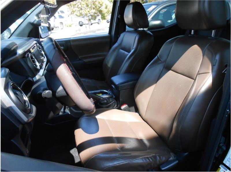 Toyota Tacoma Double Cab 2016 price $27,995