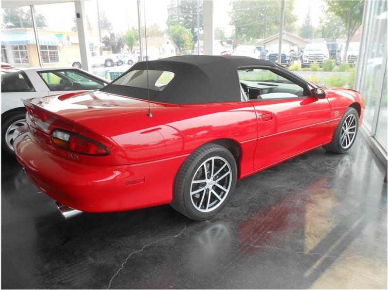 Chevrolet Camaro 2002 price $26,995
