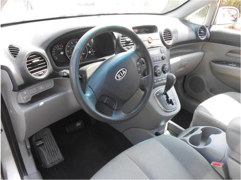 Kia Rondo 2008 price $7,995