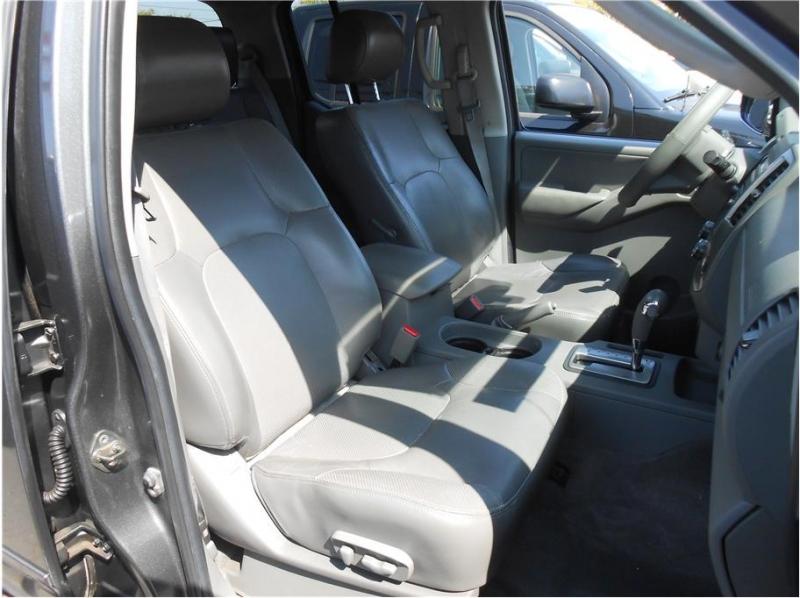 Nissan Frontier Crew Cab 2009 price $15,995