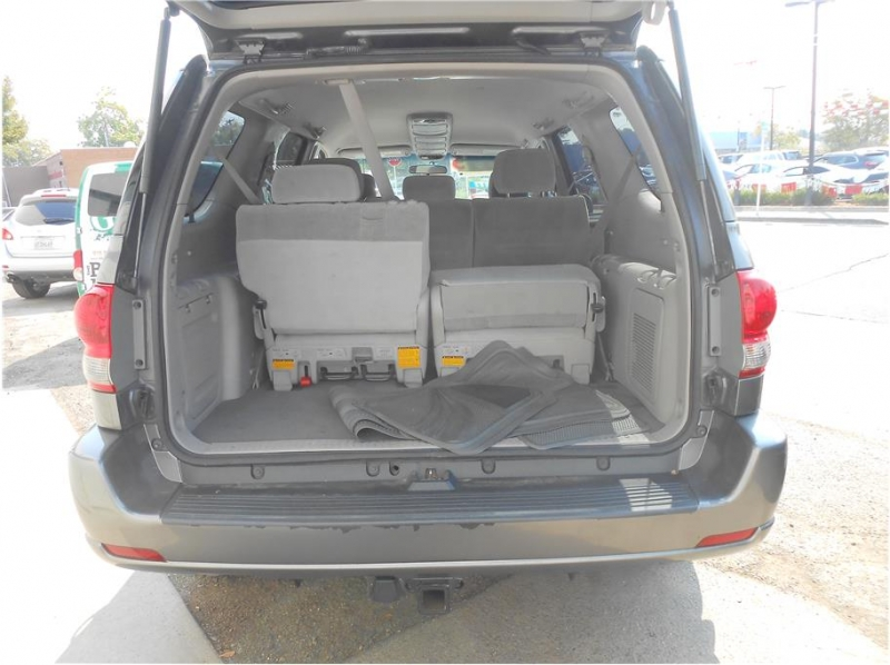 Toyota Sequoia 2006 price $13,995