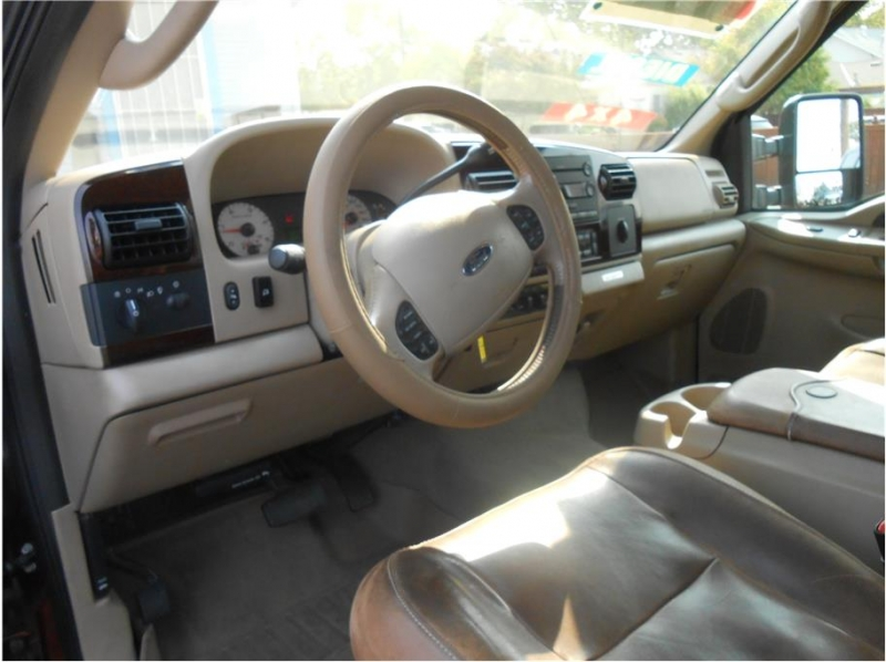 Ford F250 Super Duty Crew Cab 2006 price $24,995