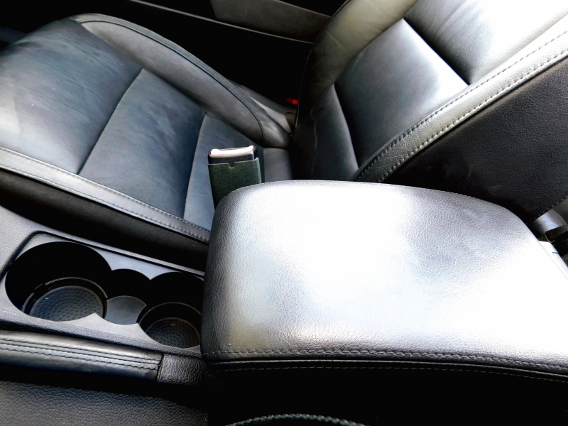 Volkswagen Eos 2009 price $7,995
