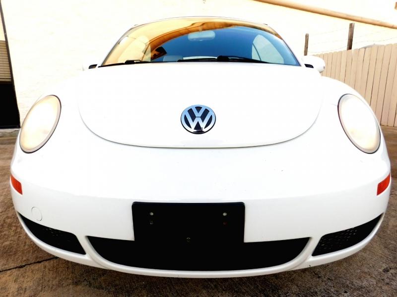 Volkswagen New Beetle Convertible 2007 price $8,399