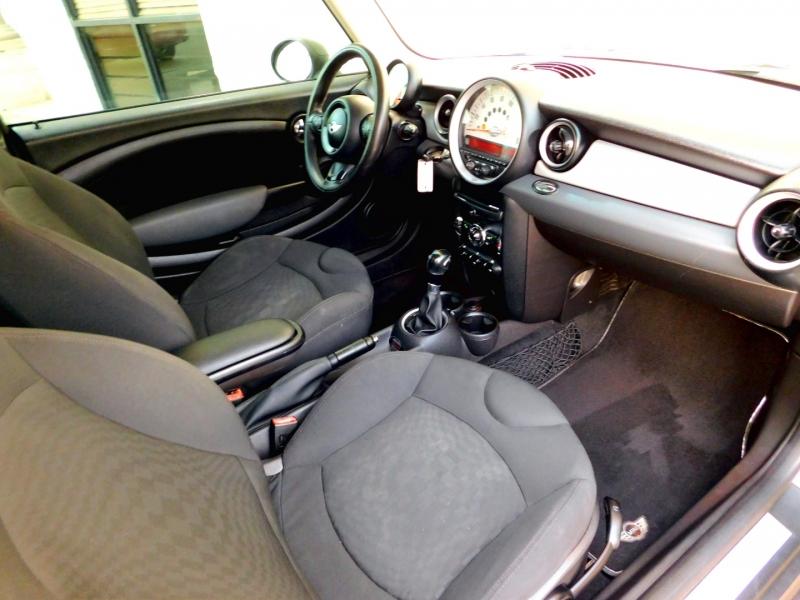 Mini Cooper Hardtop 2012 price $7,798