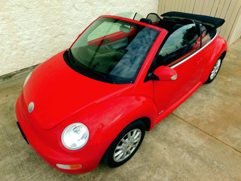 Volkswagen New Beetle Convertible 2005 price $7,749