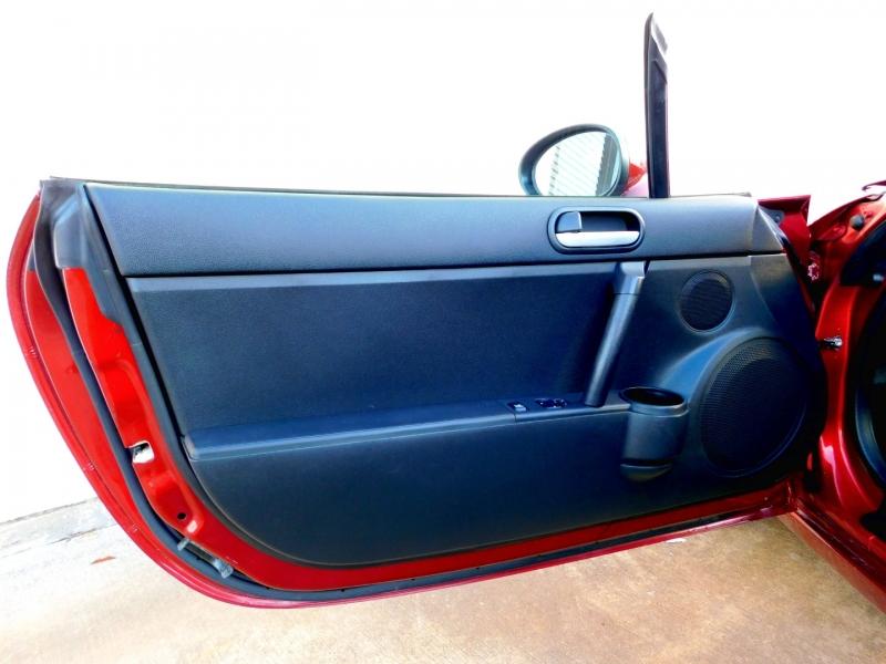 Mazda MX-5 2007 price $9,300