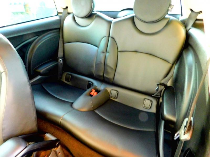 Mini Cooper Hardtop 2012 price $6,748