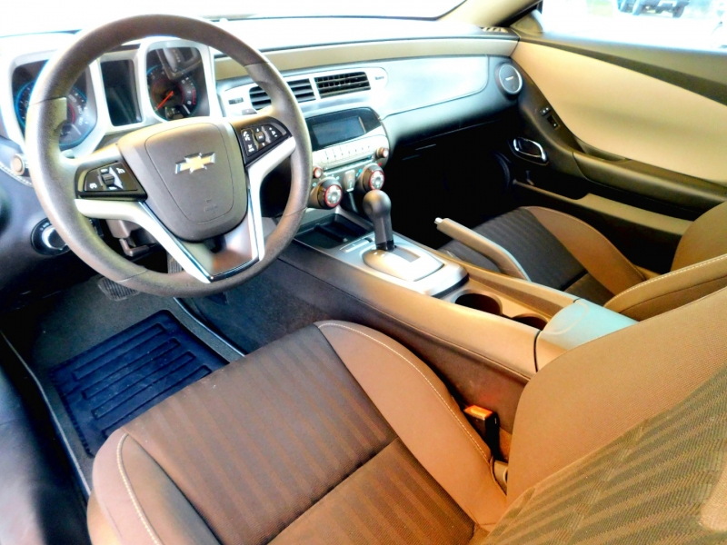 Chevrolet Camaro 2015 price $15,395