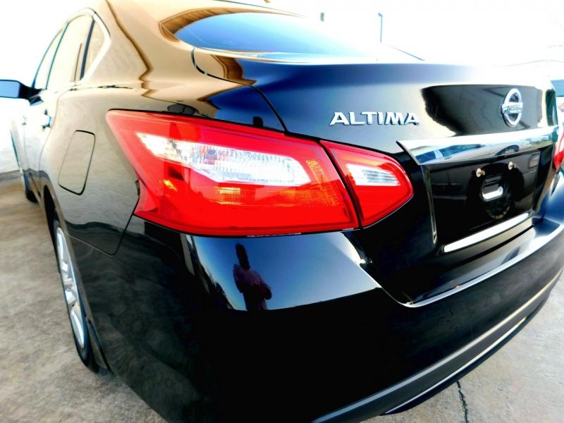 Nissan Altima 2016 price $9,499