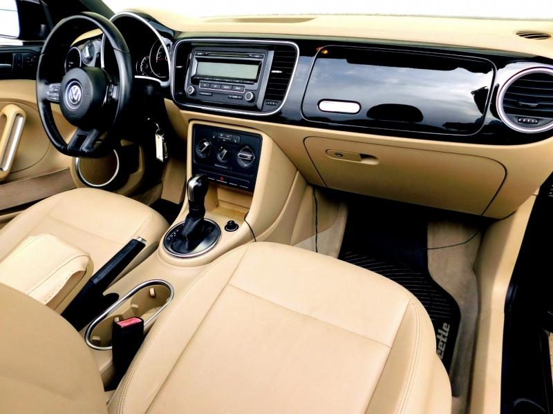 Volkswagen New Beetle Convertible 2014 price $13,845