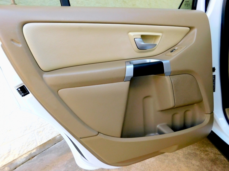 Volvo XC90 2009 price $8,700