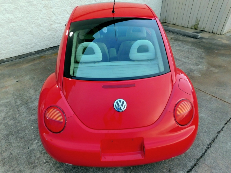 Volkswagen New Beetle 2001 price $6,990