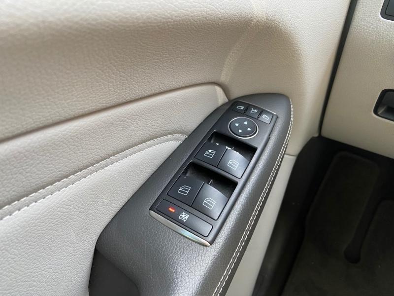 Mercedes-Benz M-Class 2012 price $17,990