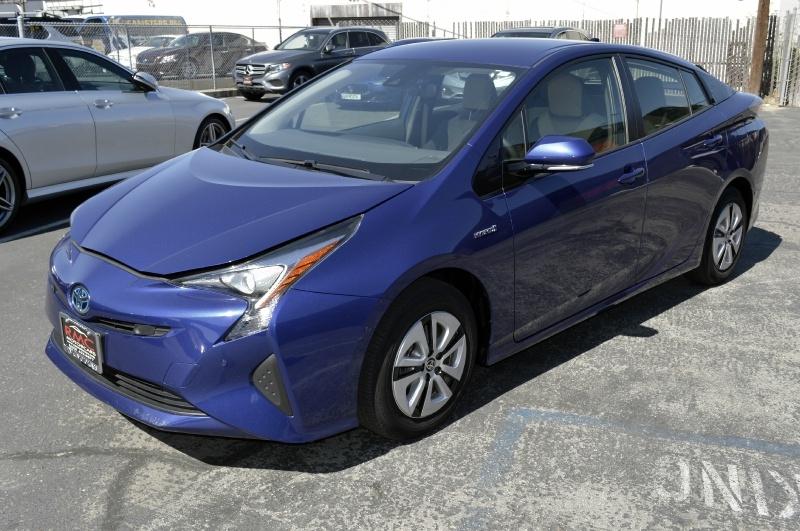 Toyota Prius 2017 price $18,880